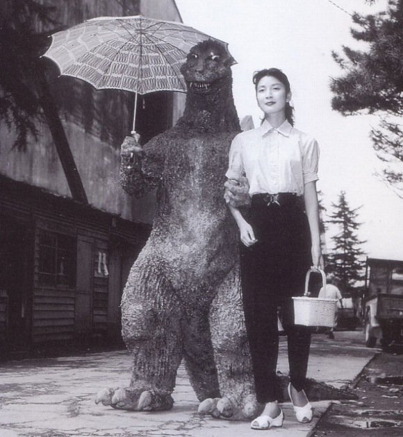 Godzilla and Momoko Kôchi on the set of Gojira