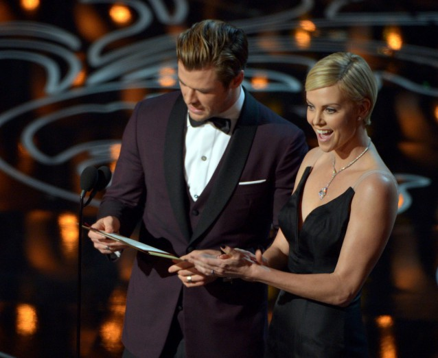 Charlize Theron and Chris Hemsworth at the Golden Globes