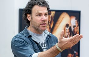 Photographer Peter Hurley is a guest lecturer at NYFA