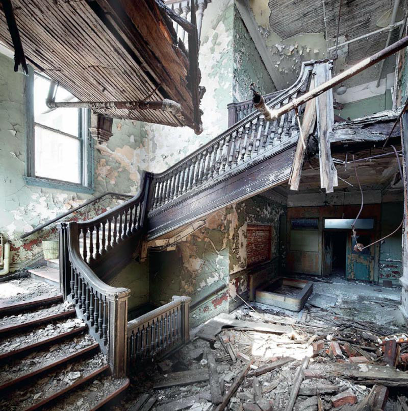 Beauty In The Abandoned: Abandoned Places Photography