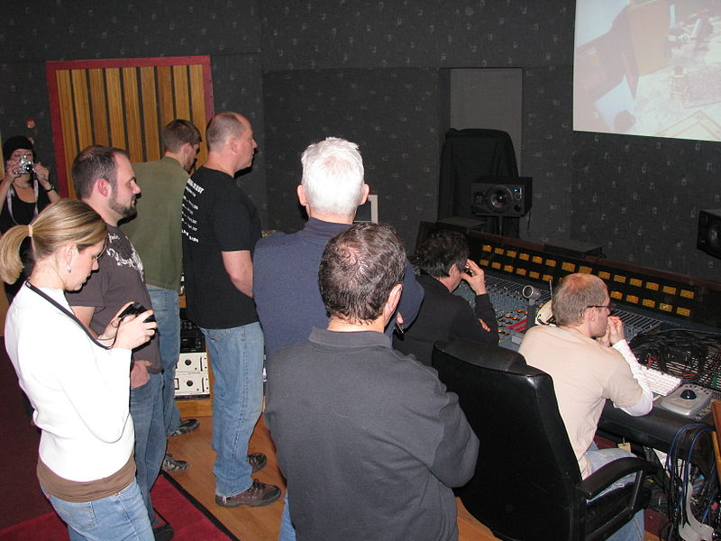 800px-Reviewing_the_recording_results_-_1,_Enrolling_Stones_in_the_Downtown_Recording_Studio