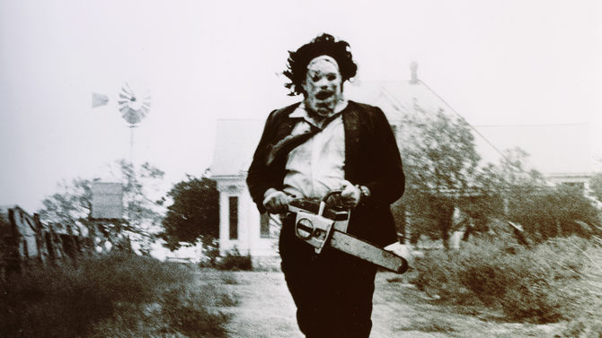 Leatherface running in Texas Chain Saw Massacre