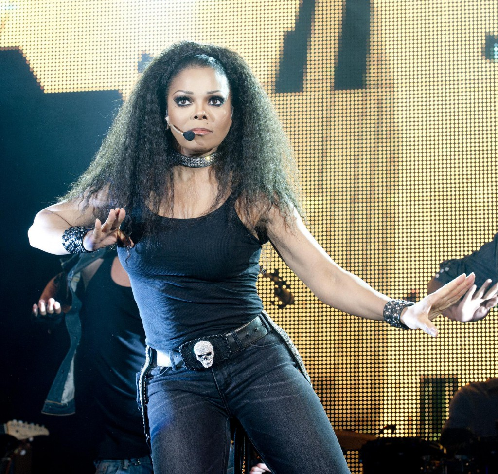Janet_Jackson_Number_Ones_Tour_2011