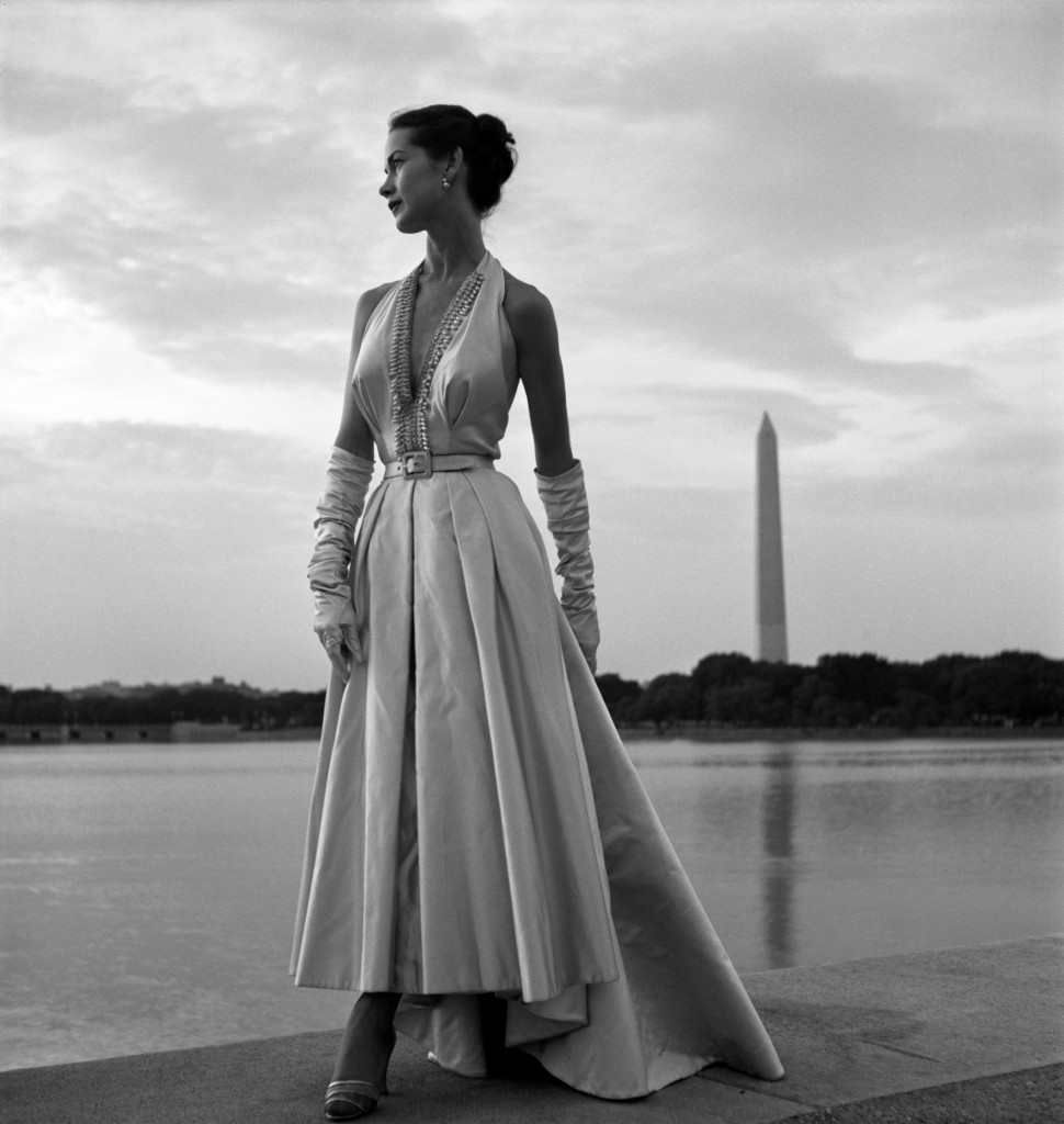 Toni_Frissell,_Fashion_model,_Washington,_D.C.,_1949